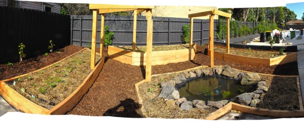 Mentone Edible Patch with Pond